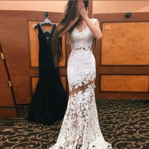 Dresses & Skirts - White /Ivory wedding gown